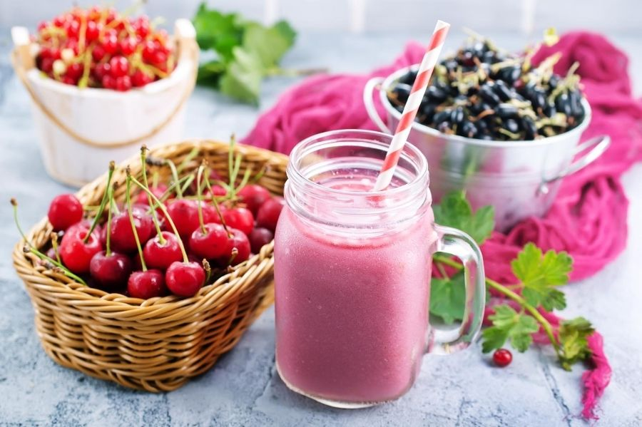 Cherry-Berry-Fertility-Smoothies-for-PCOS