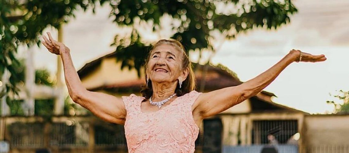 happy-old-lady-without-Perimenopause Menopause Symptoms